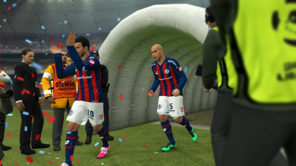 Salida del equipo para disputar un partido de la Copa Libertadores.